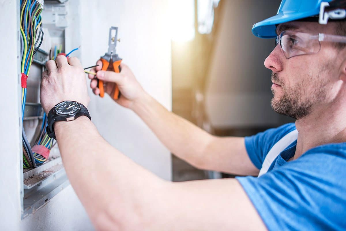 Certified Electrician Troubleshooting
